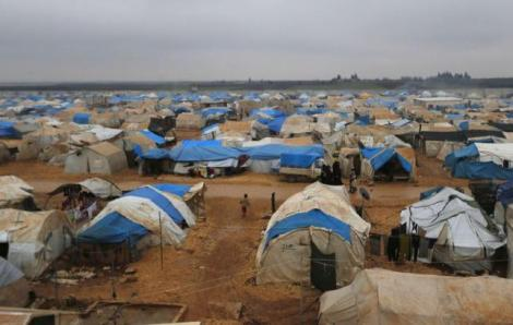 A general view shows of the Bab Al-Salam refugee camp in Azaz, near the Syrian-Turkish border December 28, 2014. REUTERS/Hosam Katan/Files